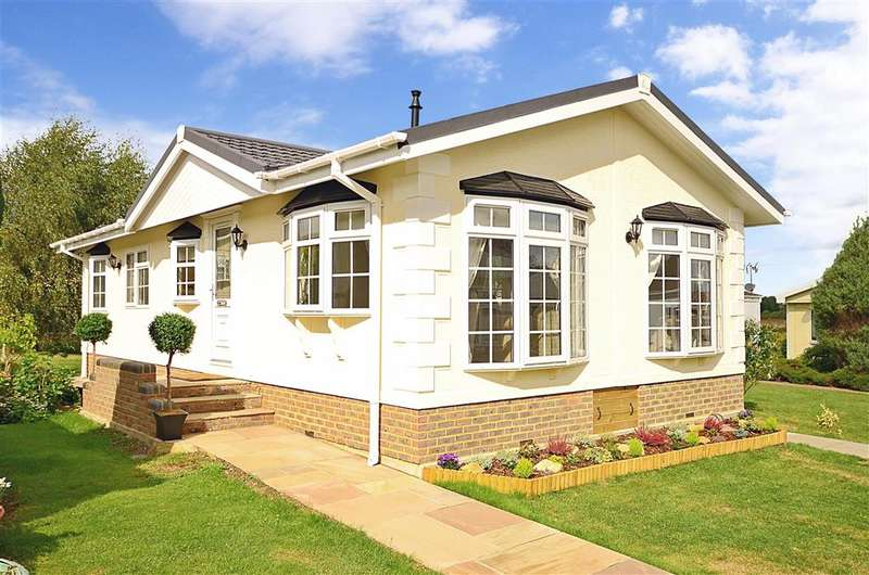 2 Bedrooms Park Home Mobile Home for sale in Church Lane, , Upper Beeding, West Sussex