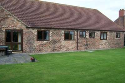 4 Bedrooms Barn Conversion Character Property for rent in Brocket Court, Acaster Malbis, York