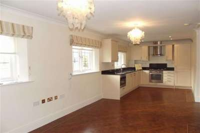 2 Bedrooms Flat for rent in Gordon Close, Broadway