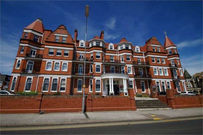 2 Bedrooms Flat for sale in SEA FRONT LOCATION, EAST CLACTON