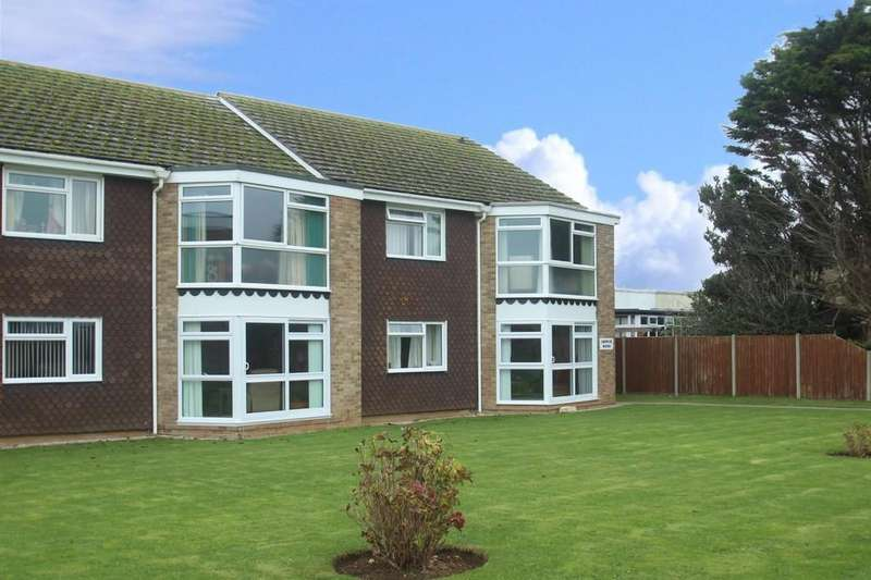 2 Bedrooms Flat for sale in Coppetts Wood, Rustington