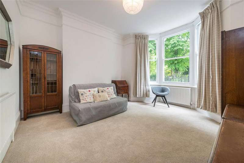 2 Bedrooms Flat for sale in Barnsbury Square, Barnsbury, London