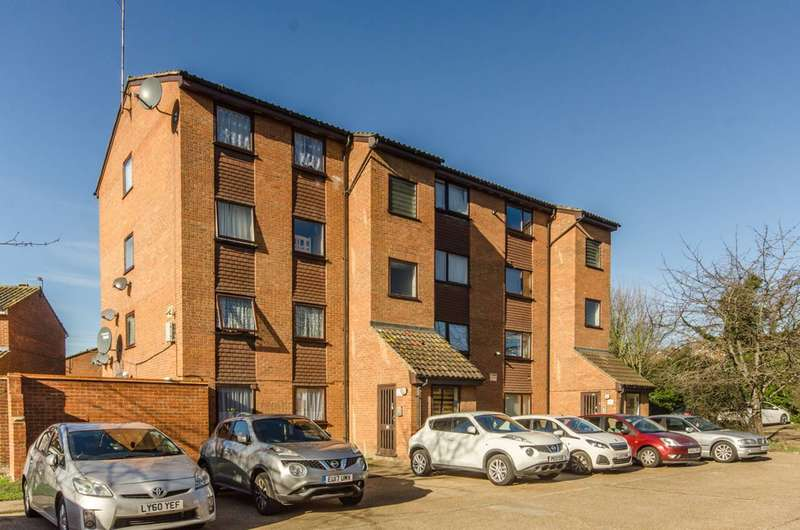 2 Bedrooms Flat for sale in Barking, Ilford, IG11