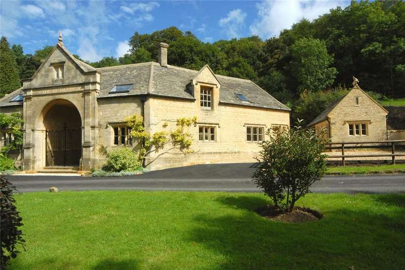 2 Bedrooms Semi Detached House for rent in The Octagon (New), Middle Hill, Broadway, Worcestershire, WR12