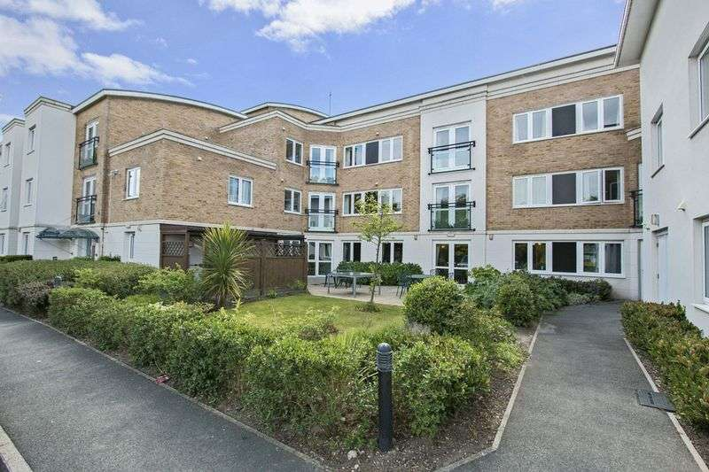 2 Bedrooms Property for sale in Highview Court, Highcliffe, BH23 5GJ