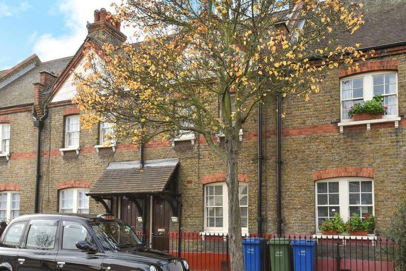 3 Bedrooms Cottage House for sale in Portland Street, Walworth