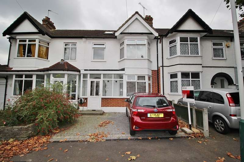 4 Bedrooms Terraced House for sale in Cavenham Gardens, Hornchurch, Essex, RM11