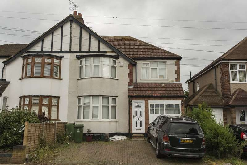 5 Bedrooms Detached House for sale in Yorkland Avenue, Welling, London, DA16
