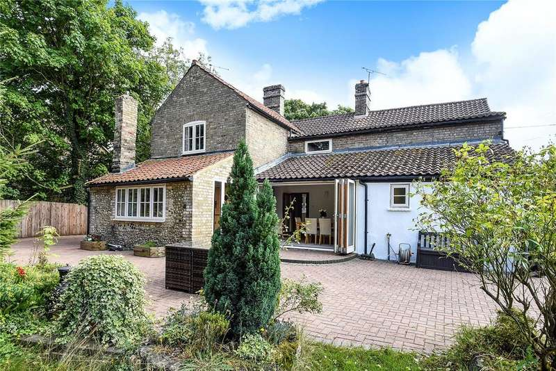 4 Bedrooms Detached House for sale in The Street, Freckenham, Bury St Edmunds, Suffolk, IP28