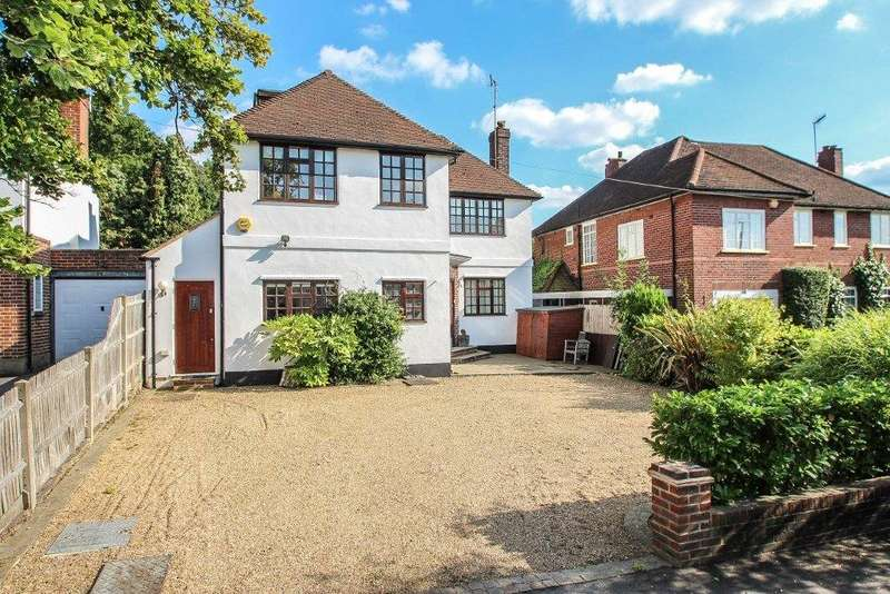 5 Bedrooms Detached House for sale in Manor Road South, Esher, Surrey, KT10