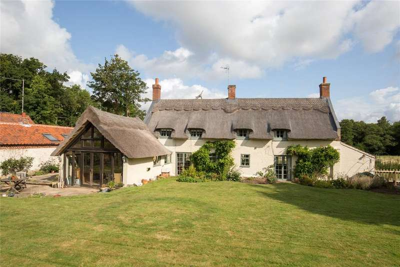3 Bedrooms Detached House for sale in Hall Road, Irstead, Norfolk, NR12
