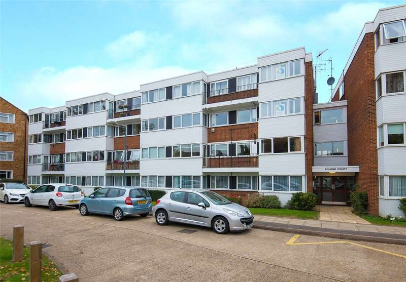 2 Bedrooms Flat for sale in Bourne Court, New Wanstead, London