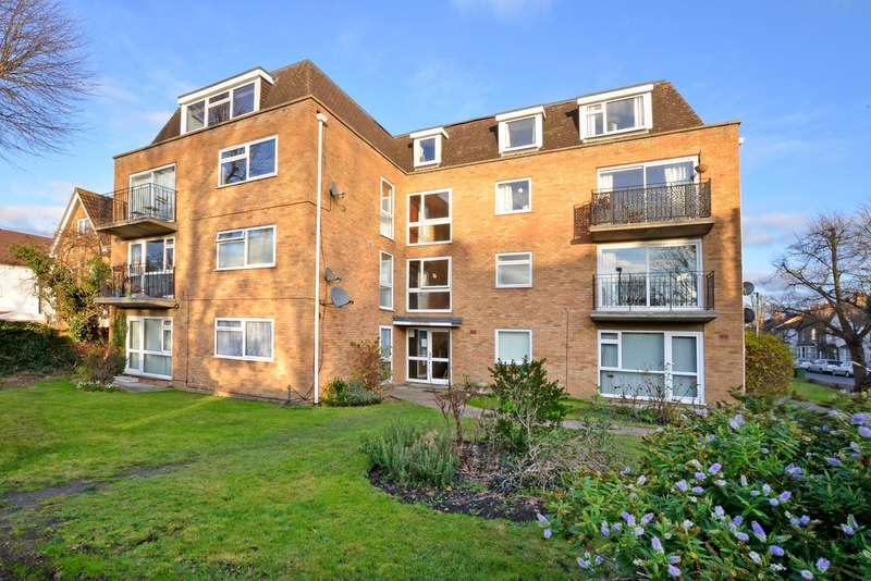 2 Bedrooms Apartment Flat for sale in Laleham Road, Staines-upon-Thames TW18