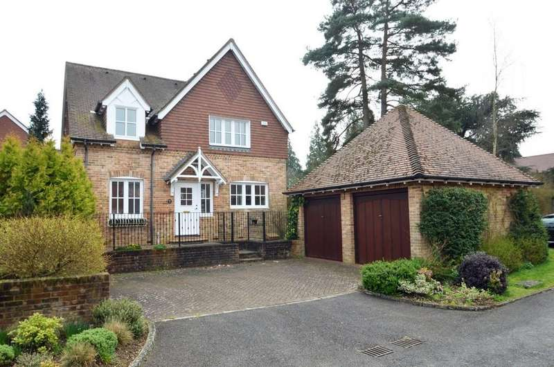 4 Bedrooms Detached House for sale in Elstead