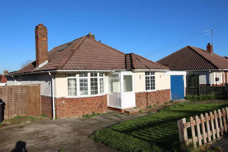 5 Bedrooms Bungalow for sale in Noel Rise, Burgess Hill