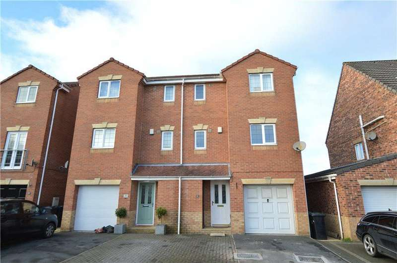 4 Bedrooms Semi Detached House for sale in Apple Tree Mews, Kippax, West Yorkshire