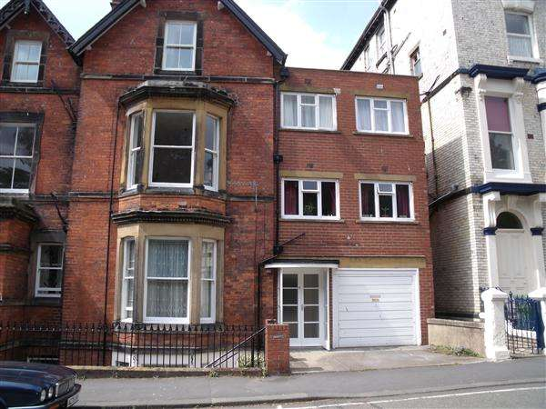 2 Bedrooms Apartment Flat for rent in Belmont Road, Scarborough