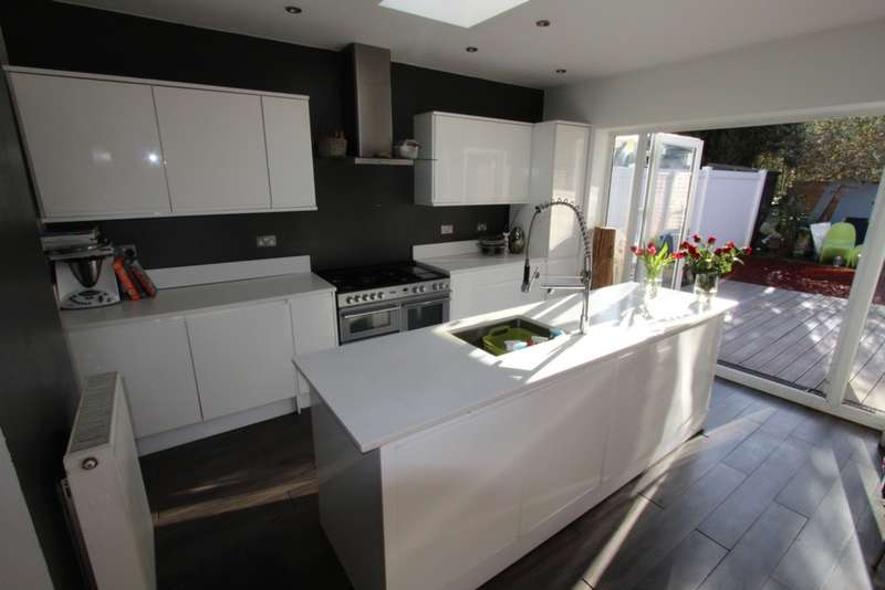 3 Bedrooms House for sale in Birchanger Road, London, SE25