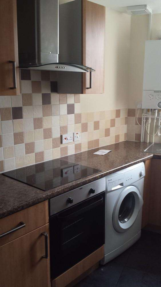 4 Bedrooms Flat for rent in Coed Saeson Court, Sketty