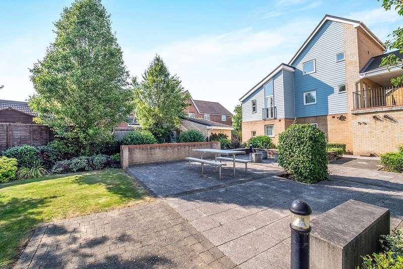 1 Bedroom Flat for sale in Onyx Drive, Sittingbourne, ME10
