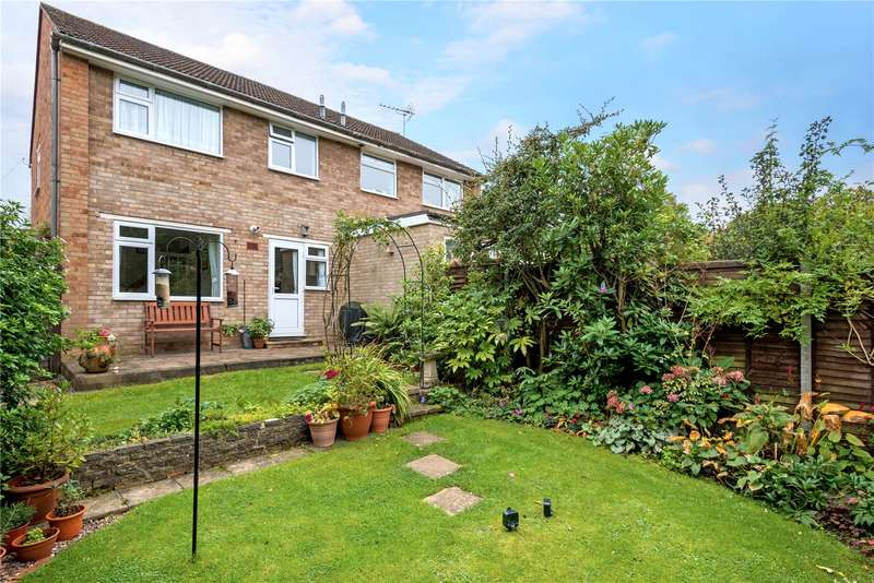 3 Bedrooms Semi Detached House for sale in Howards Lane, Addlestone, Surrey, KT15