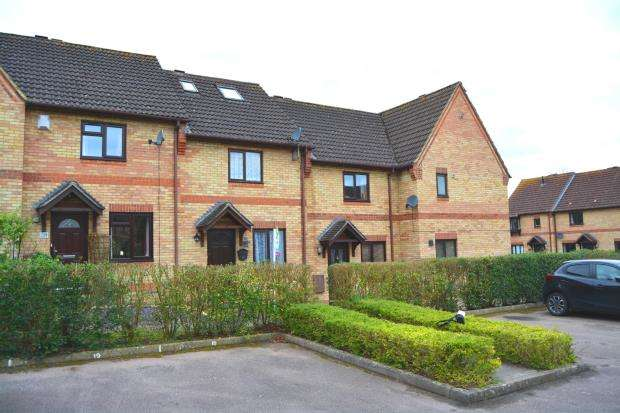 3 Bedrooms Terraced House for sale in Hook, Hampshire