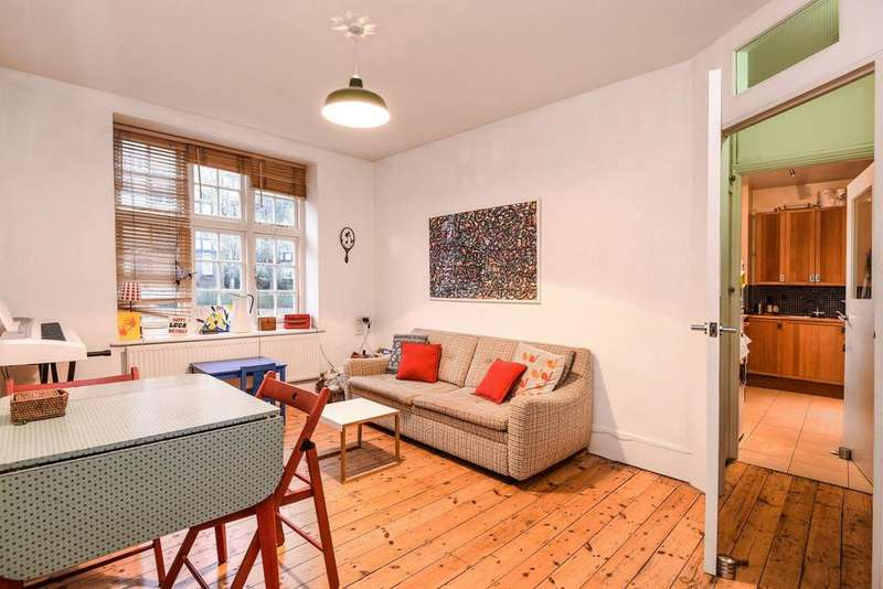 1 Bedroom Flat for sale in Oakeshott Avenue, Highgate