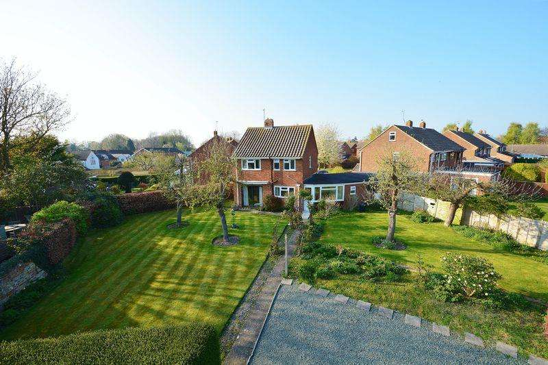 3 Bedrooms Detached House for sale in Saunders Close, Watlington