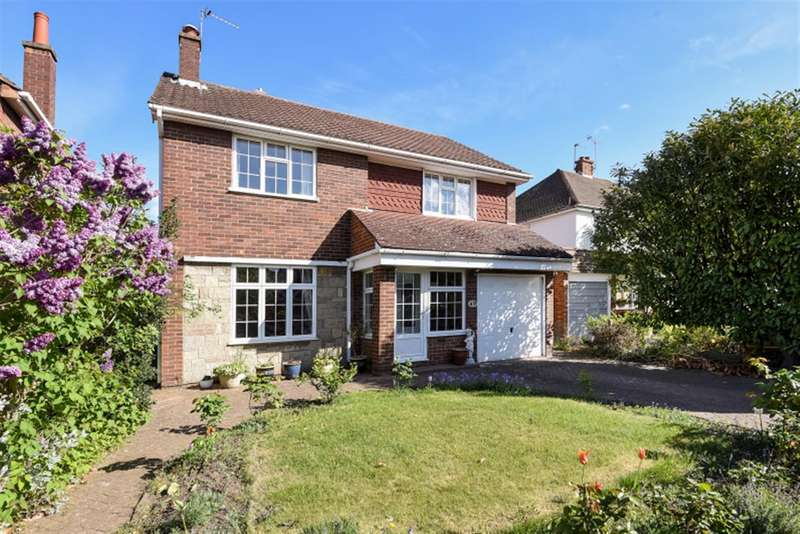 4 Bedrooms Detached House for sale in Oaks Way, Surbiton