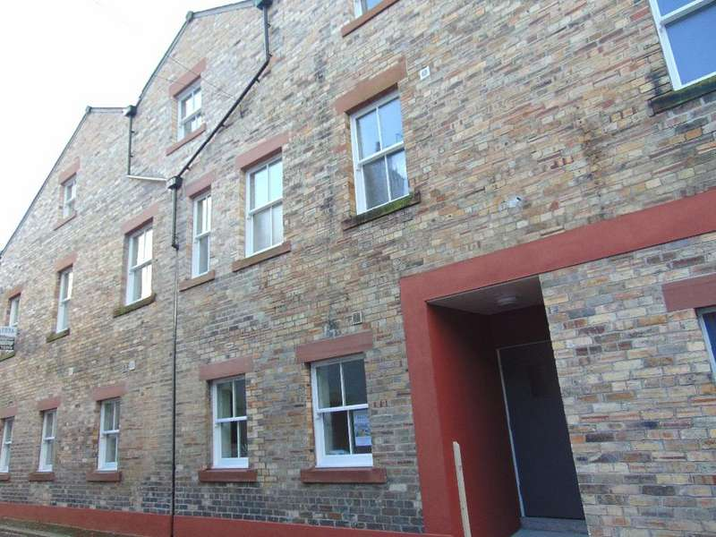 3 Bedrooms Apartment Flat for sale in John Dalton House Apartment 8, Challoner Street, Cockermouth, Cumbria, CA13 9LE