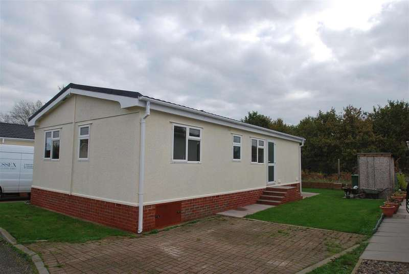 2 Bedrooms Park Home Mobile Home for sale in Helsby Park Homes, Chester Road, Helsby