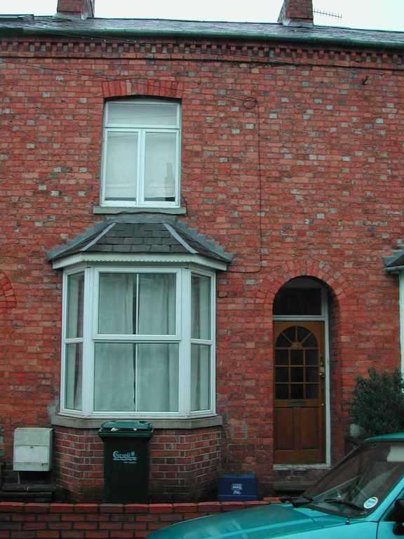 2 Bedrooms Terraced House for sale in Gibbs Road