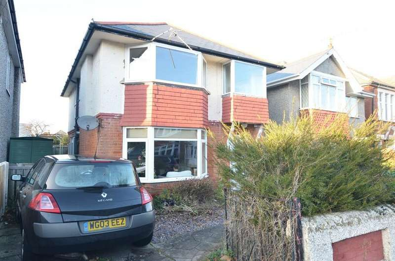 4 Bedrooms Detached House for sale in Irving Road, Bournemouth