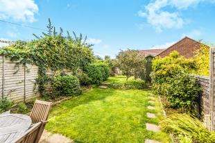 3 Bedrooms Terraced House for sale in Firs Avenue, Felpham, Bognor Regis, West Sussex
