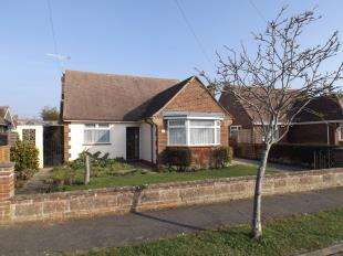 2 Bedrooms Bungalow for sale in South Drive, Felpham, Bognor, West Sussex