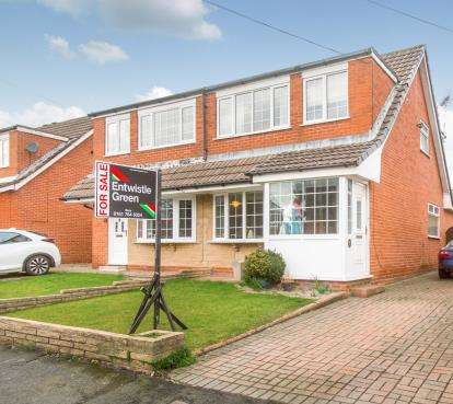 3 Bedrooms Semi Detached House for sale in Pickering Close, Bury, Greater Manchester, BL8