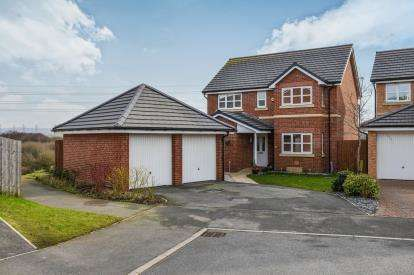 4 Bedrooms Detached House for sale in Kingfisher Drive, Heysham, Morecambe, LA3
