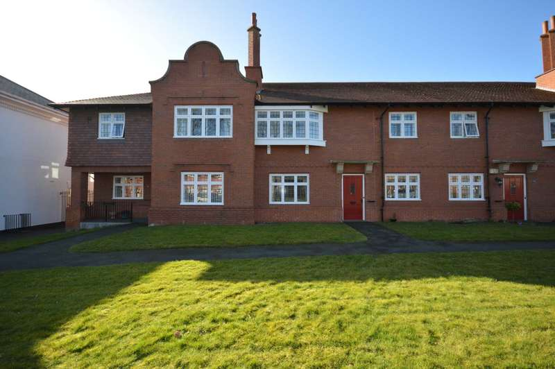 2 Bedrooms Apartment Flat for sale in Osborne Court, Port Sunlight