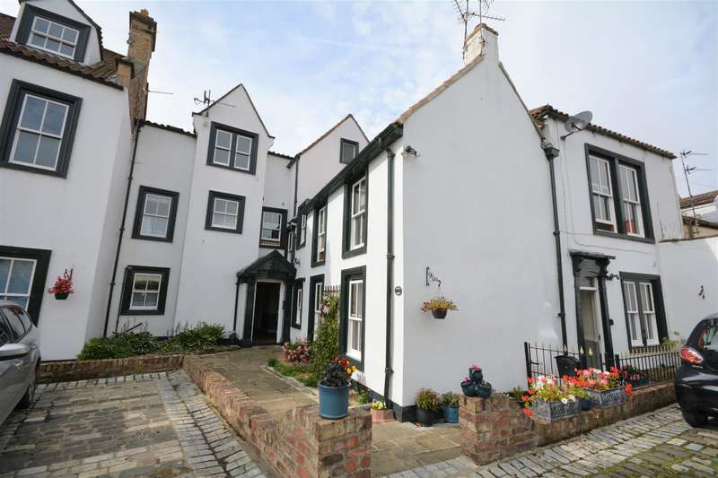 2 Bedrooms Flat for sale in Kings Lodge, Market Place, Bishop Auckland, DL14 7NP