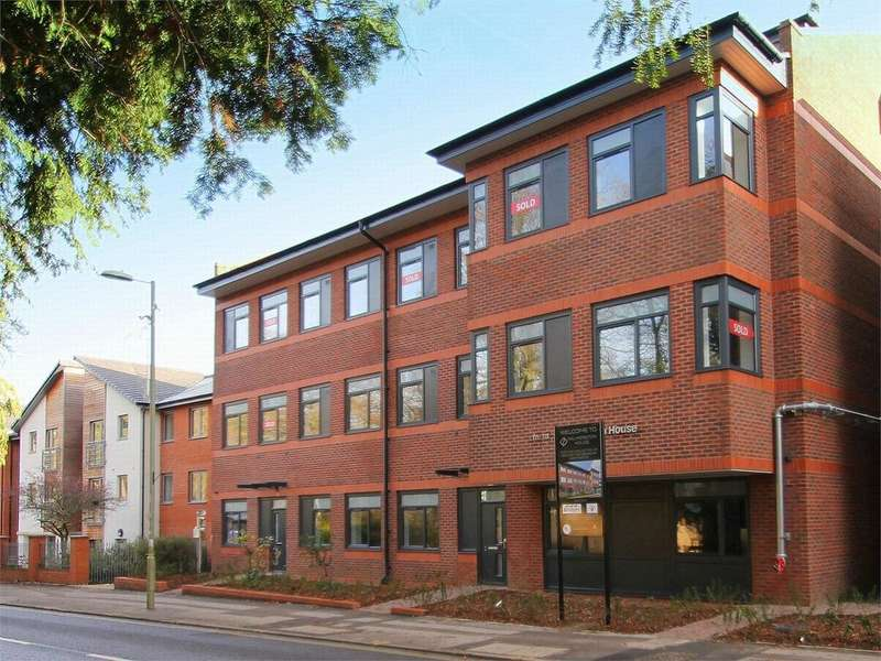 2 Bedrooms Flat for sale in 111-113 Fleet Road, Fleet, Hampshire GU51 3GF
