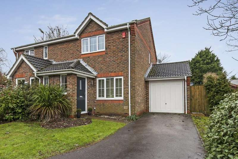 3 Bedrooms Semi Detached House for sale in Cloverbank, Kings Worthy, Winchester, SO23