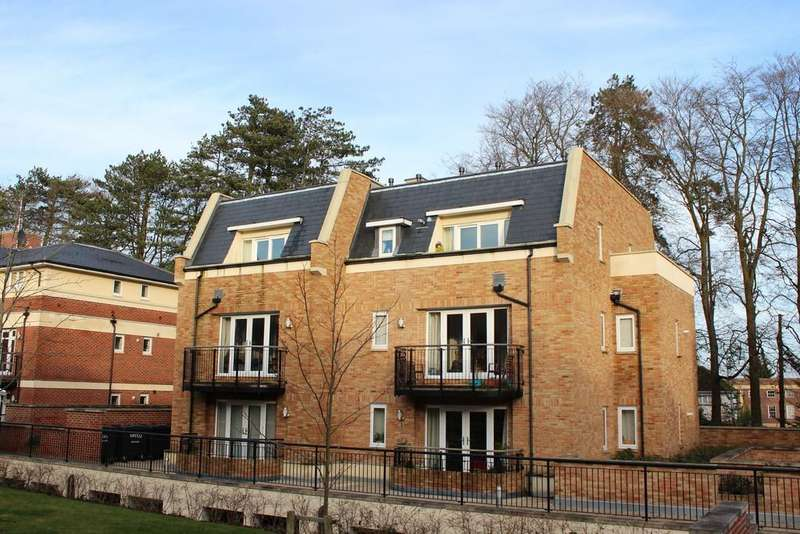 2 Bedrooms Apartment Flat for sale in Fraser Gardens, Winchester, SO22
