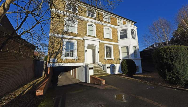 Property for sale in Berrylands, Surbiton