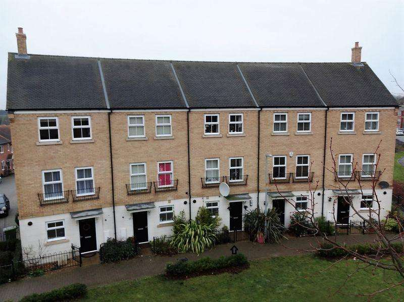 3 Bedrooms Terraced House for sale in Alabaster Avenue, Houghton regis