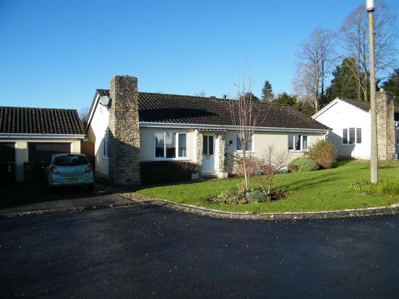 3 Bedrooms Bungalow for sale in Lime Tree Close, Calne