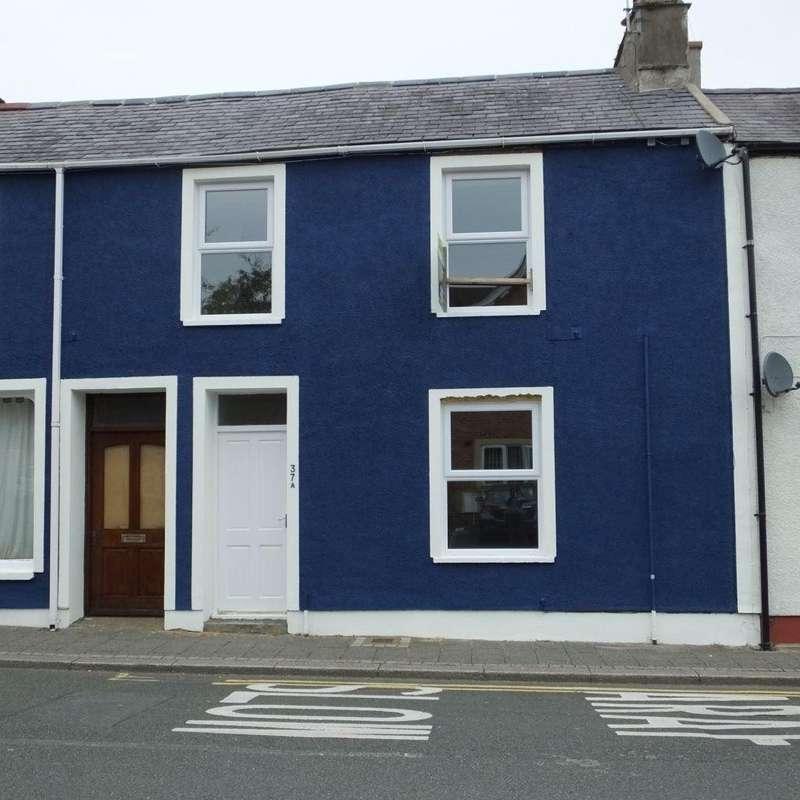 2 Bedrooms Flat for rent in Queen Street, Pembroke Dock, Pembrokeshire