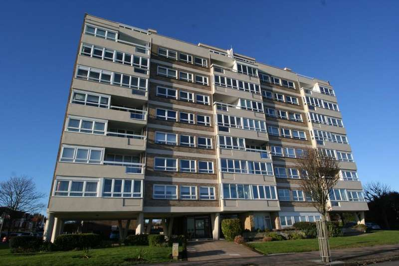 2 Bedrooms Apartment Flat for rent in The Esplanade, Frinton-On-Sea
