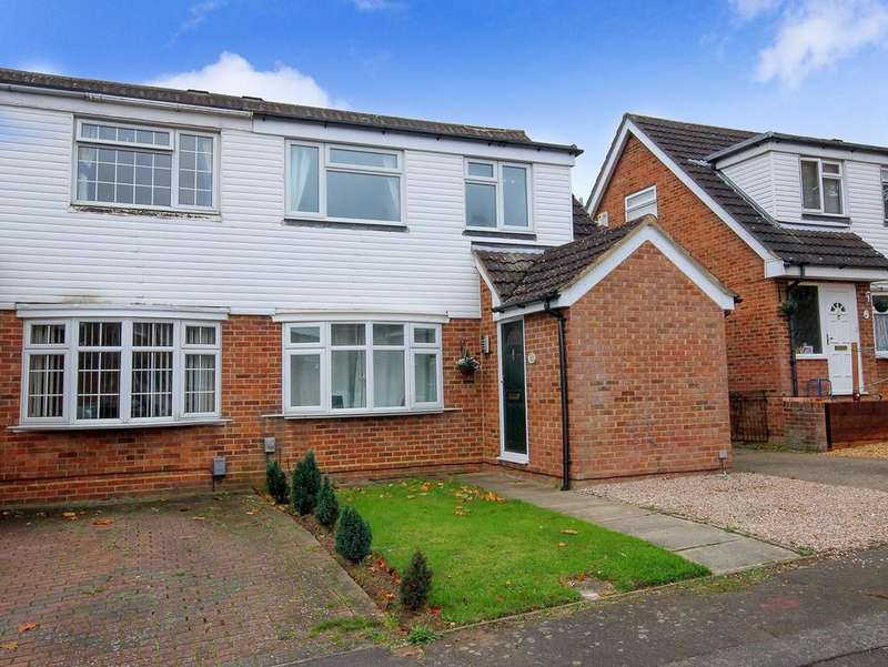 3 Bedrooms Semi Detached House for sale in Primrose Close, Flitwick, MK45