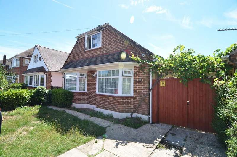 3 Bedrooms Detached Bungalow for sale in Hastings Road, Bournemouth