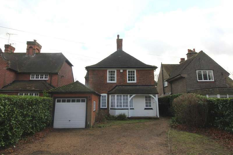 4 Bedrooms Cottage House for rent in Reed Pond Walk, Gidea Park, Essex, RM2